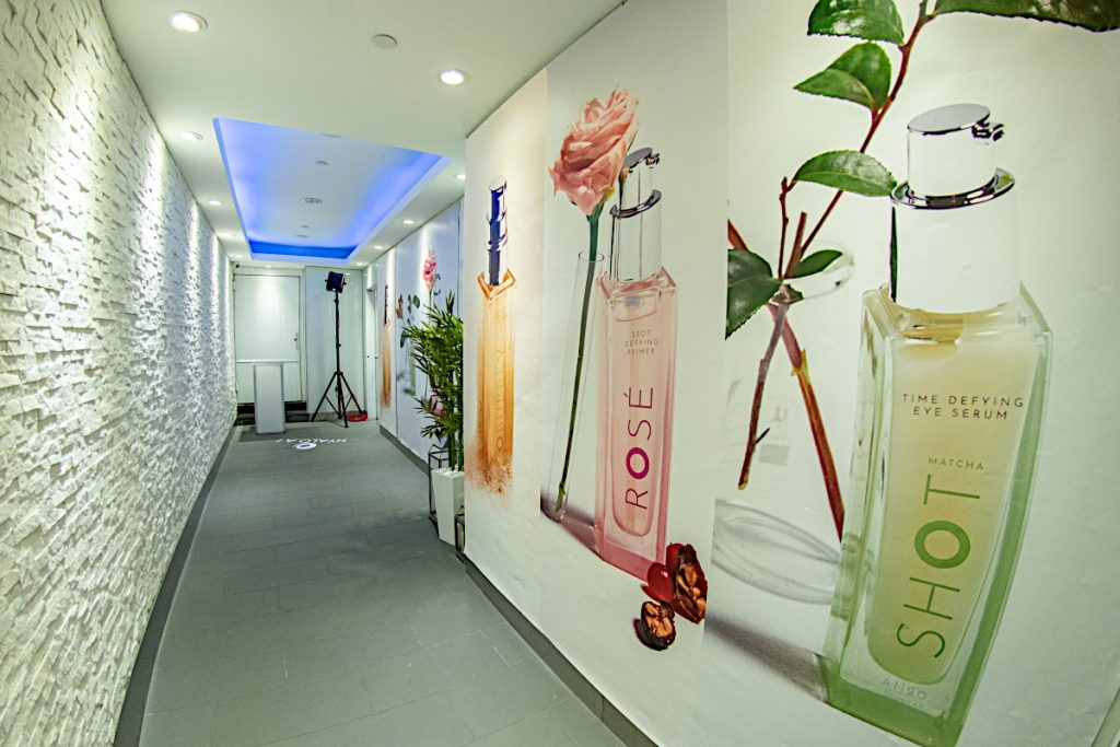 decorated hallway walls - NYC corporate event space