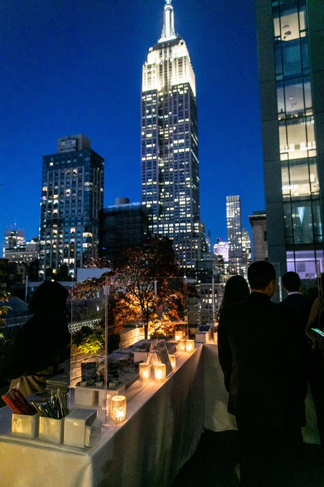 Guests outside evening view - Midtown Loft